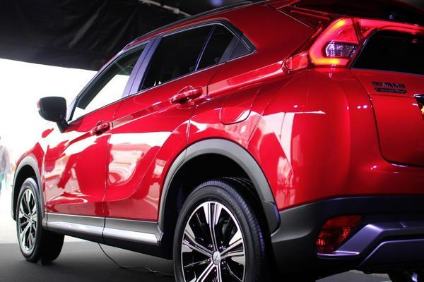 eclipse-cross-rear-01.JPG