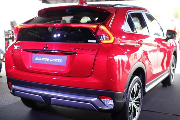 eclipse-cross-rear-03.JPG
