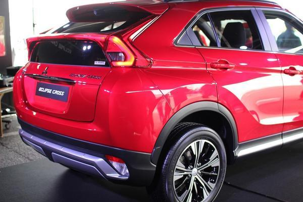 eclipse-cross-rear-04.JPG