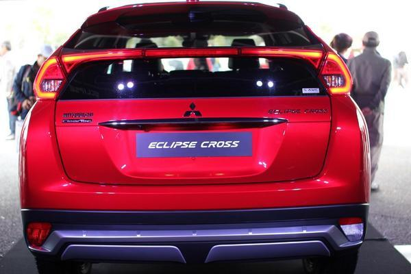 eclipse-cross-rear-06.JPG
